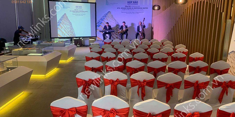Tổ chức họp báo - Bàn ghế hội nghị sang trọng